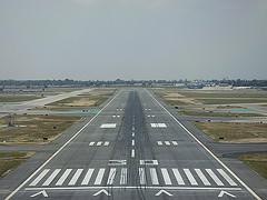 runway 30 lgb